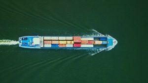 VMS ou Containers: Entenda quais as diferenças e seus usos