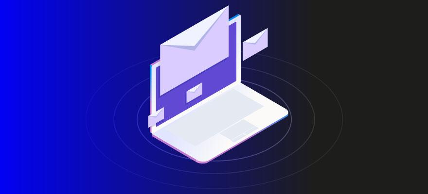 Na imagem, um computador em um fundo roxo e preto. Envelopes rodeiam a imagem, fazendo alusão ao e-mail marketing como estratégia para atrair mais tráfego para seu site.