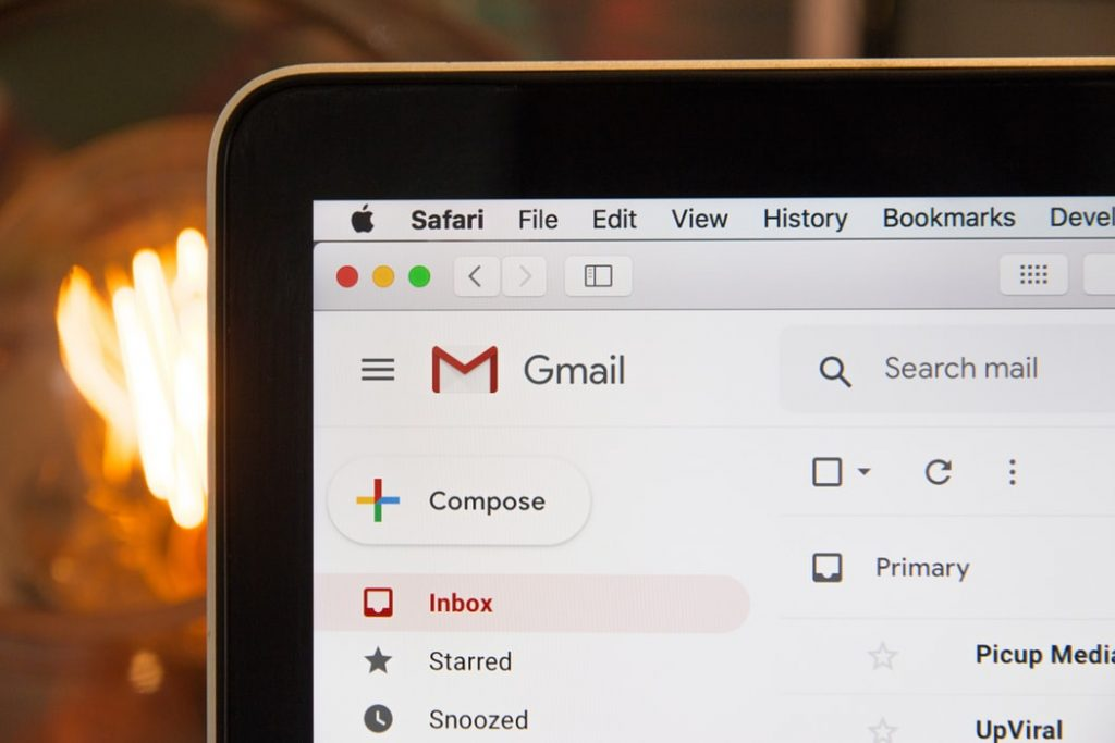 Caixa de email marketing