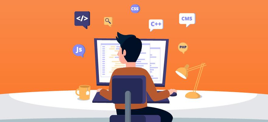 homem no computador com linguagens de programação